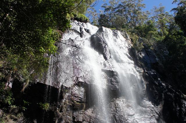 another waterfall 1137200 640 - ゴールドコーストの語学学校おすすめランキング【厳選14校】