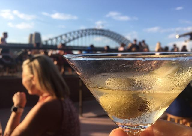 party 3326032 640 - シドニーに行こう!基本情報、行き方、観光地、留学、ワーホリまで徹底解説!
