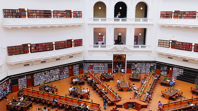 state library of victoria 1956331 640 - メルボルンに行こう!基本情報、行き方、観光地、留学、ワーホリまで徹底解説!