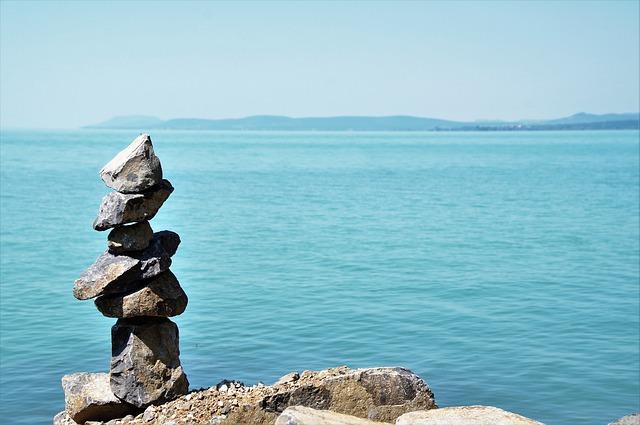 stones 1586686 640 - ゴールドコースト留学はなぜ人気?デメリットも合わせて解説の完全ガイド!