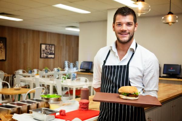 florint making lunch 25299610102 o - インフォーラム・エデュケーション・オーストラリア