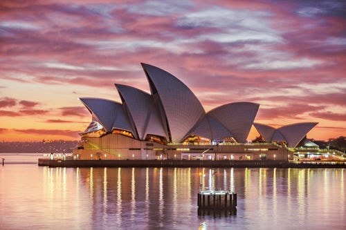 photo 1524293581917 878a6d017c71 - オーストラリアの都市ごとの季節別服装。冬は意外と寒い!?